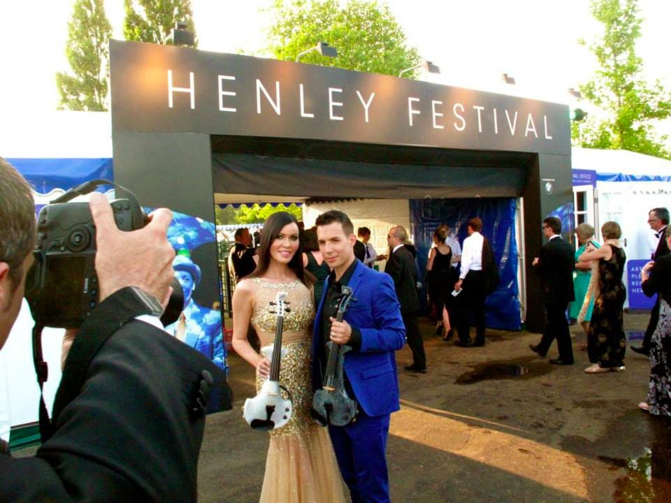 linzi stoppard ben lee henley festival electric violinists